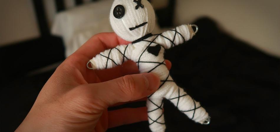 muñeco vudu del buhonero