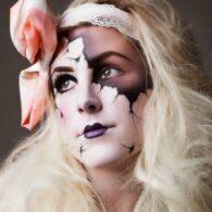 Maquillaje de muñeca de porcelana